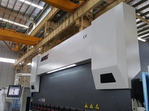 150 ຕົມກົດຫ້າມລໍ້ 3200mm cnc 150 ຕັນເຄື່ອງກົດໄຮດໍລິກທີ່ມີງໍ 8 ມມ